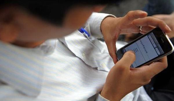 Un niño de 8 años se suicidó porque su abuelo le quitó el celular