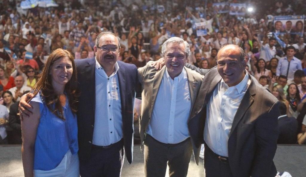 Fernández contra Macri: Sumergió en la pobreza a 5 millones de argentinos