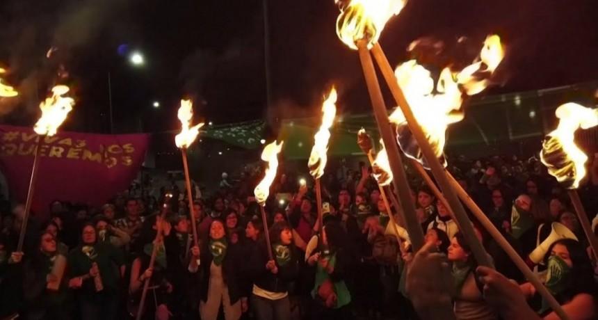 Protestas e incidentes en Ecuador luego de fracasar la votación por el aborto