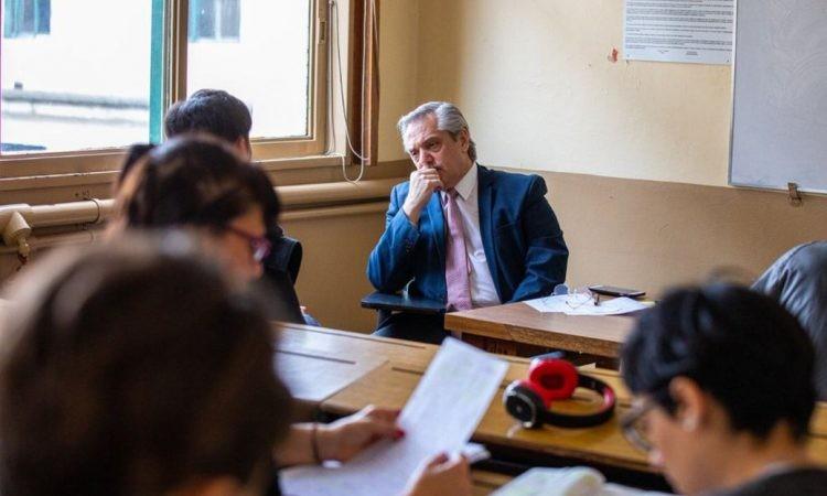 """Revuelo en la UBA: """"Alberto Fernández no es Profesor, es un mero docente interino designado a dedo"""""""