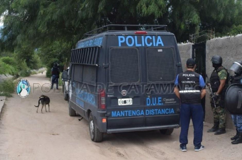 Un total de 12 policías de grupos especiales de Valle Viejo están aislados en Emaús