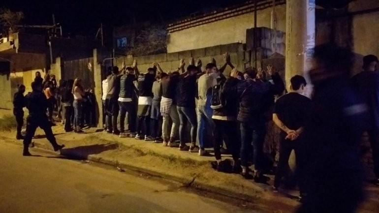 Barrio Eva Perón: realizaron una fiesta clandestina y quedaron todos detenidos