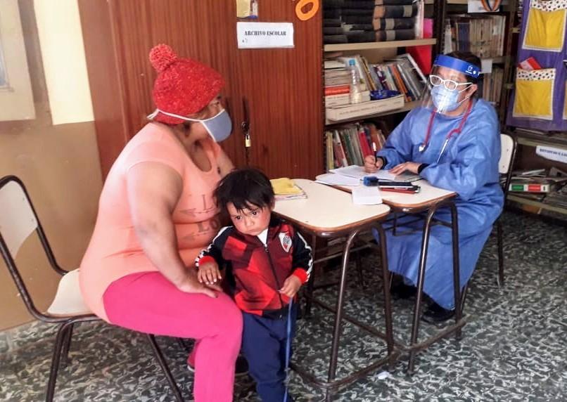 Agentes sanitarios de Salud visitaron Bajo Hondo