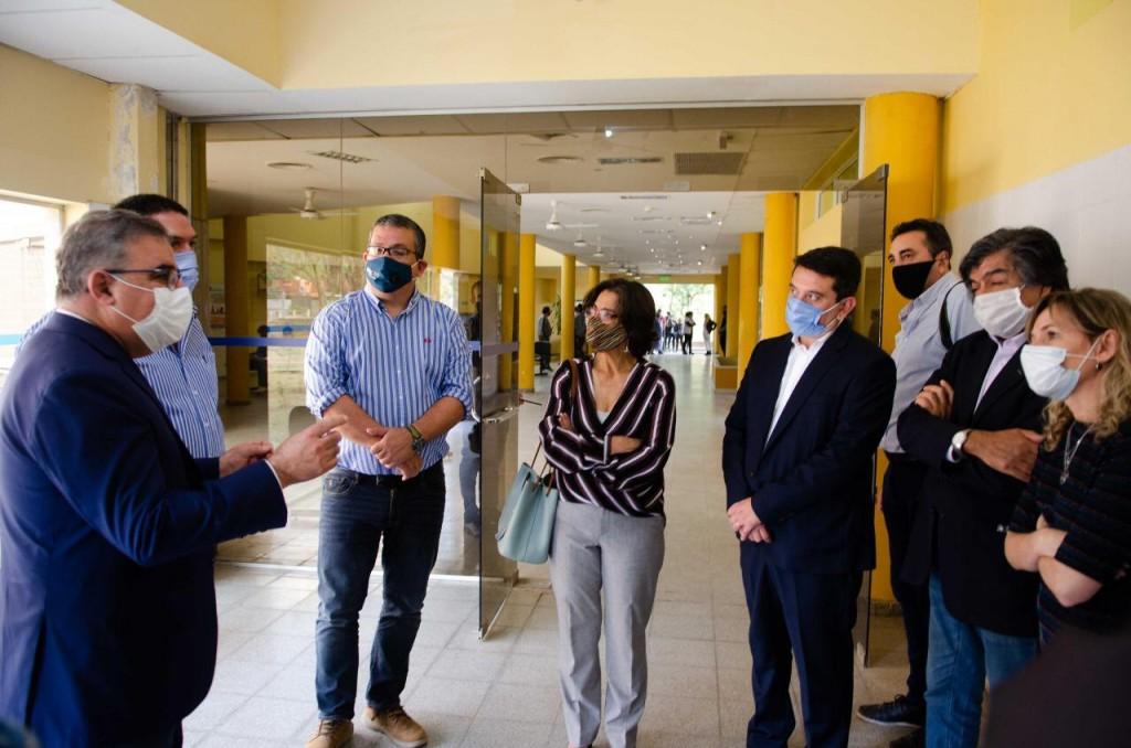 Jalil: inauguró las remodelaciones en el Hospital de Piedra Blanca