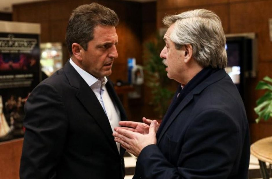 """Qué le dijo Alberto Fernández a Sergio Massa tras el """"pornozoom"""" del diputado Juan Ameri"""