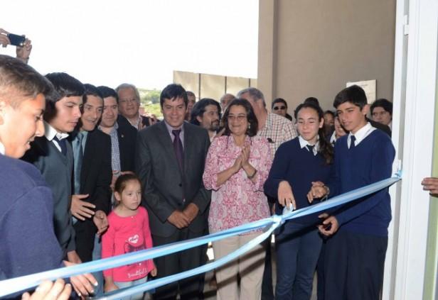 Lucía inauguró un nuevo edificio escolar en El Alto