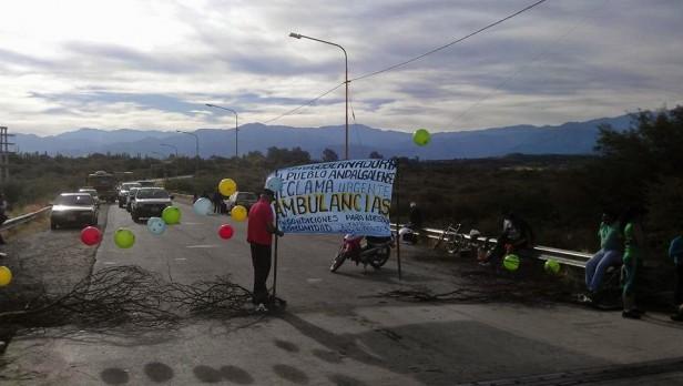 Vecinos de Huachaschi quieren levantar firmas para que el hospital acepte la ambulancia