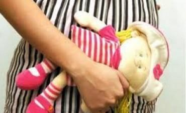 Comenzaron a juzgar a un padre por violar y embarazar a su hija