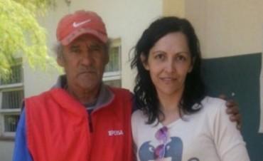 En Córdoba, una mujer conoció a su padre en la fila para votar