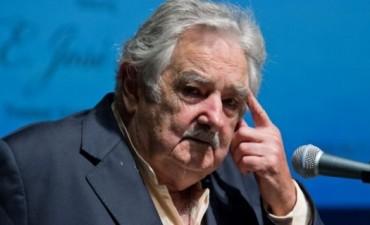 Aníbal Fernández le exigió a Mujica que