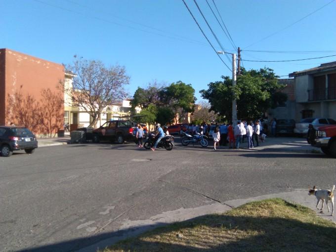 Amenaza de bomba en una escuela de las 920 en Capital