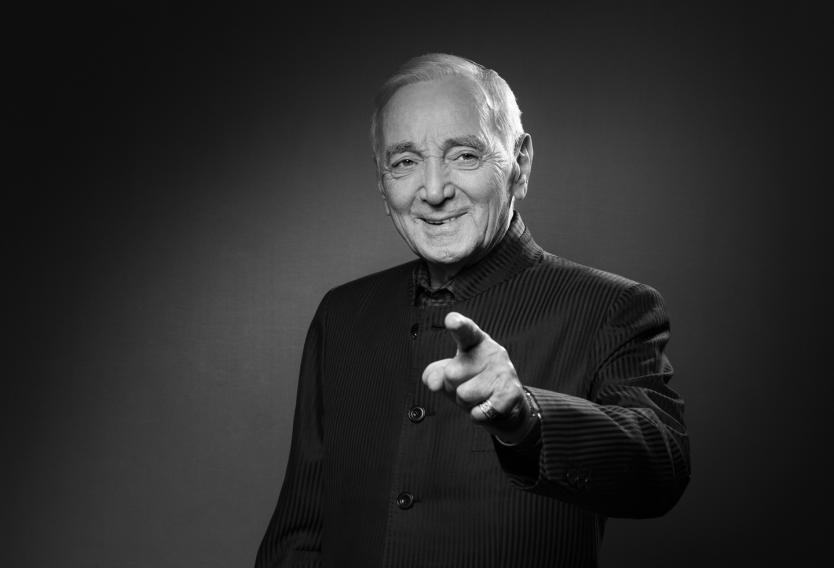 Falleció Charles Aznavour, cantante francés