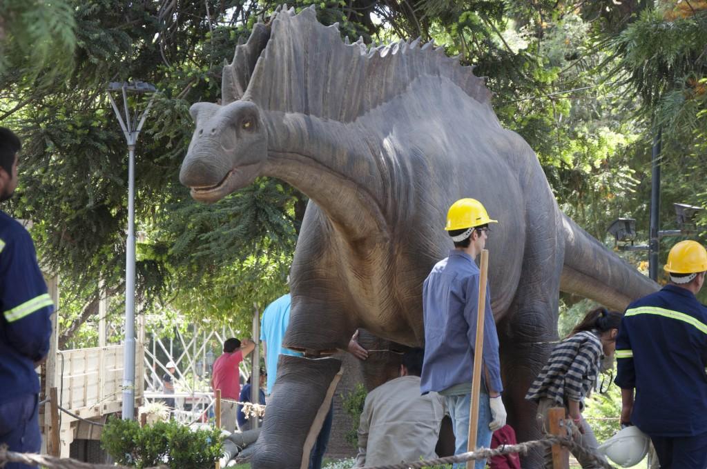 Con dinosaurios gigantes dio inicio la Mega muestra Científica