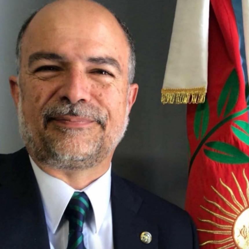 Denuncian por supuestas irregularidades al secretario de Seguridad Marcos Denett