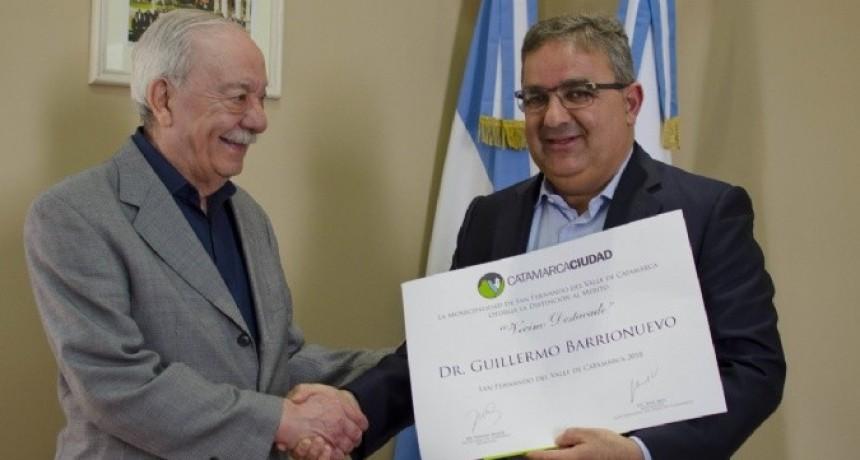 Distinción al doctor Guillermo Barrionuevo por su trayectoria