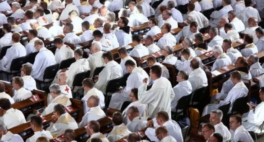 Ahora, Polonia: 255 casos de abuso sexual en la Iglesia
