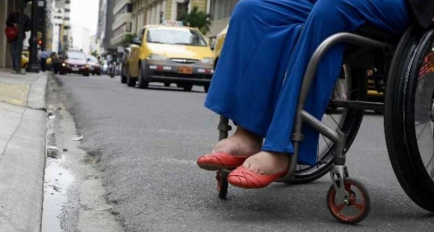 Buscan mejorar accesos a personas con discapacidad