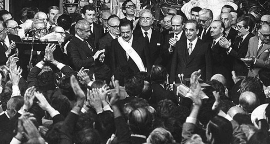 Homenajes a Raúl Alfonsín, a 35 años de su victoria