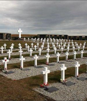 Identificaron al soldado 100 enterrado en el cementerio de Islas Malvinas