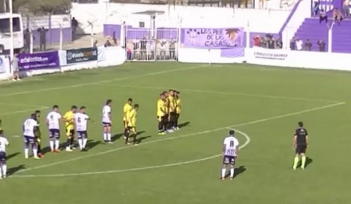 """Un jugador de fútbol de Sacachispas imitó al """"negro de WhatsApp"""" y su festejo se viralizó"""
