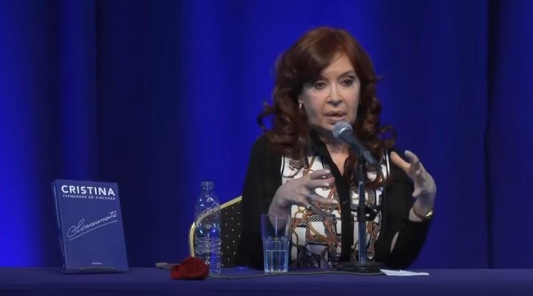 Cristina llamó  CHISPITA a Macri y dijo que hay que investigar la deuda