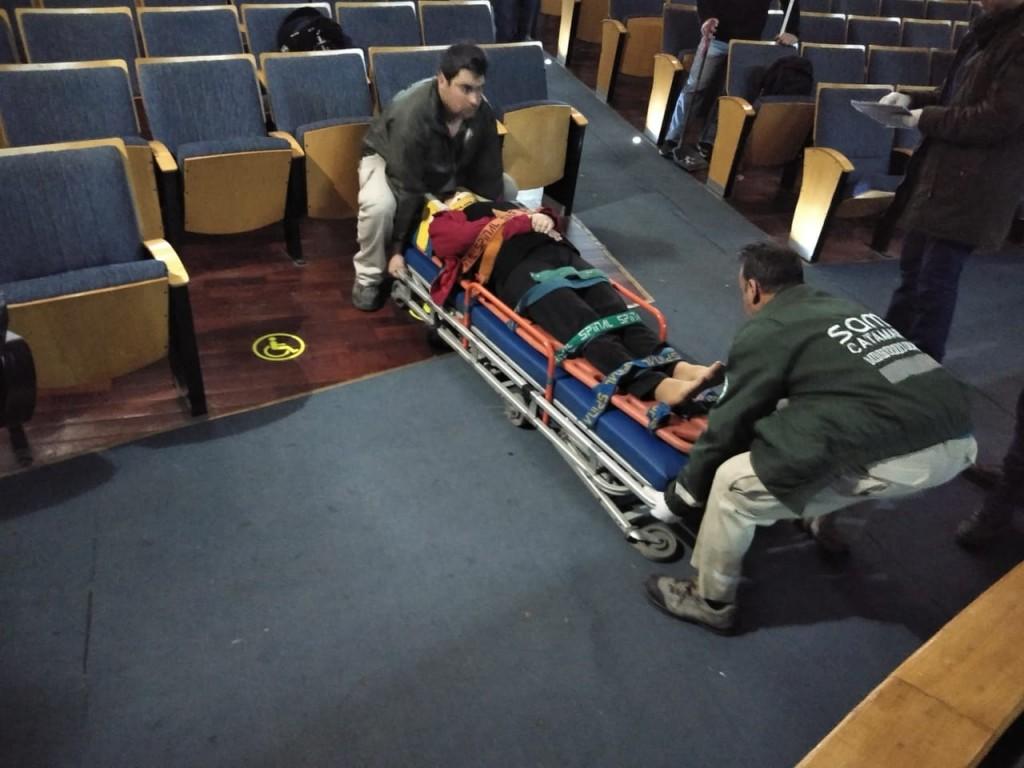 Accidente en el Cine Teatro Catamarca: Docente tropezó y cayó en la fosa