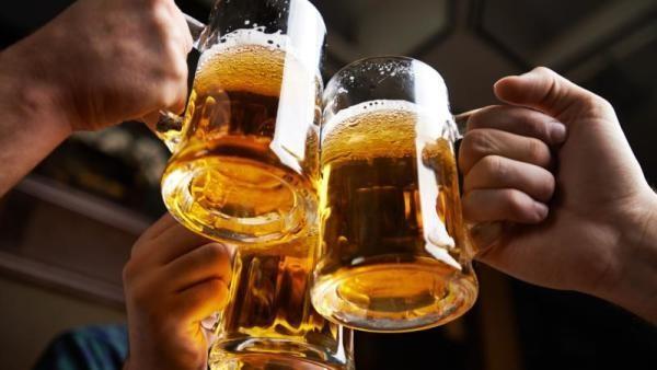 La ANMAT prohibió una cerveza, galletitas, aceite de oliva y productos de limpieza