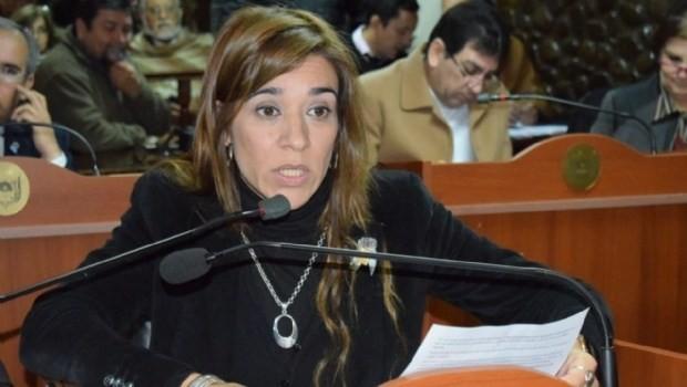 Paola Bazan: Culpo a Oscar Castillo por la derrota en las elecciones