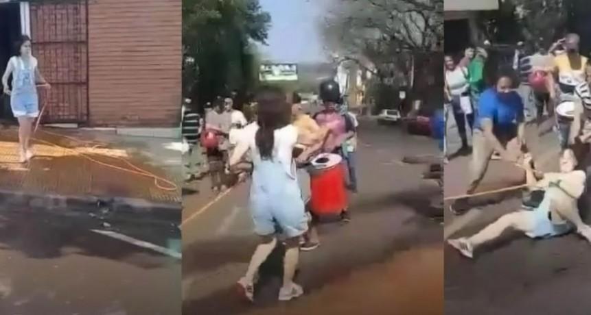 Una mujer fue atacada por piqueteros cuando intentó terminar con un corte de calle