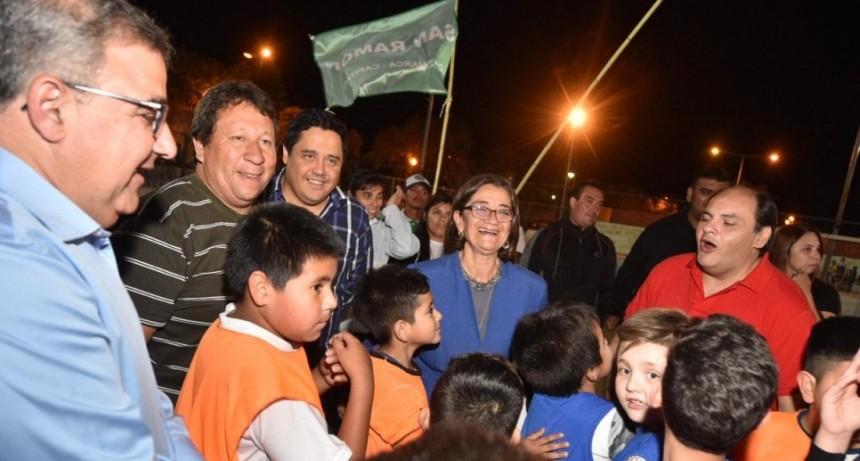 Corpacci dijo que su gobierno no es indiferente como lo es el gobierno de Macri