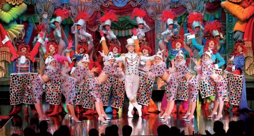 El famoso Moulin Rouge cumplió 130 años