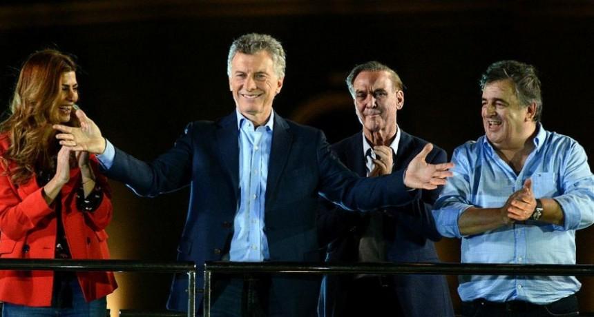 Mauricio Macri cerró su campaña ante una multitud en Córdoba: El domingo nos jugamos el presente y el futuro
