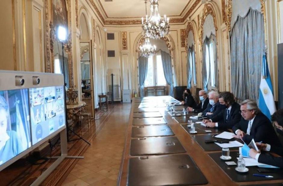 Fernández definió la continuidad de una cuarentena estricta en ocho provincias