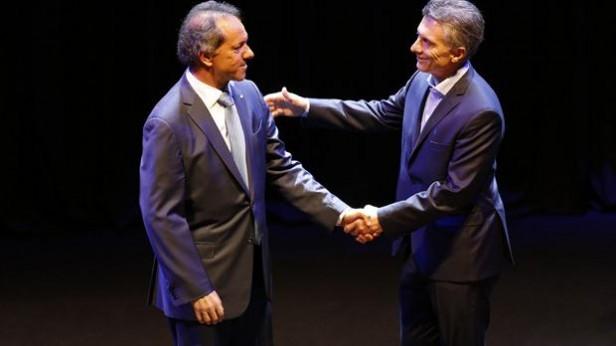 Síntesis del debate: Scioli siguió con la campaña del miedo y Macri le pegó al kirchnerismo
