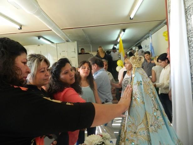 Jornada de fiesta en Catastro y el Registro Civil con la visita de la Virgen