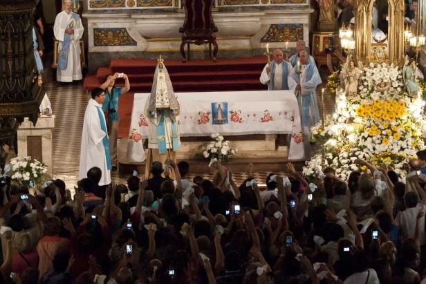 Se realizó la Bajada de la Virgen del Valle