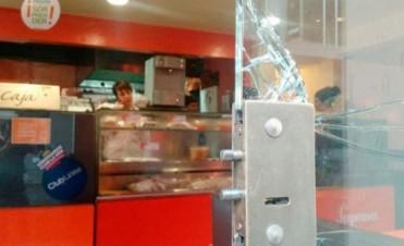Con 9 y 14 años, asaltaron una panadería en Nueva Córdoba