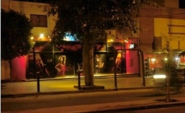 Violento asalto en un local de comidas de Av Galindez
