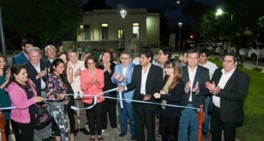 La Gobernadora inauguró la plaza del Fogón