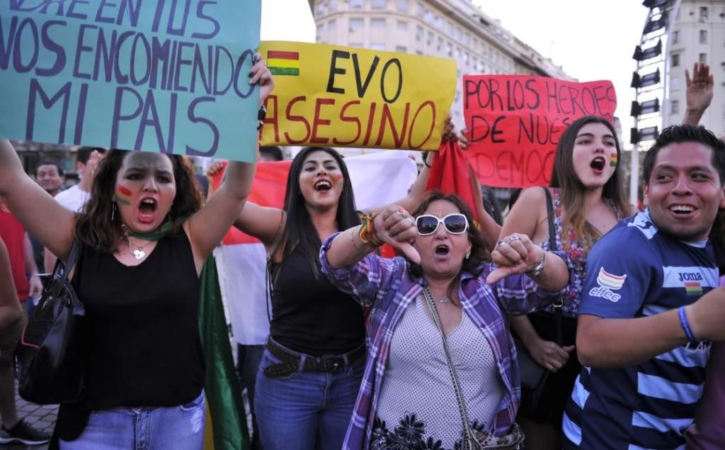Libertad para Bolivia: el festejo en el Obelisco luego de la renuncia de Evo