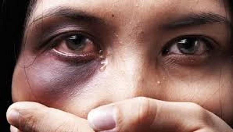 Una mujer fue asesinada cada dos meses y por día 17 son víctimas de violencia