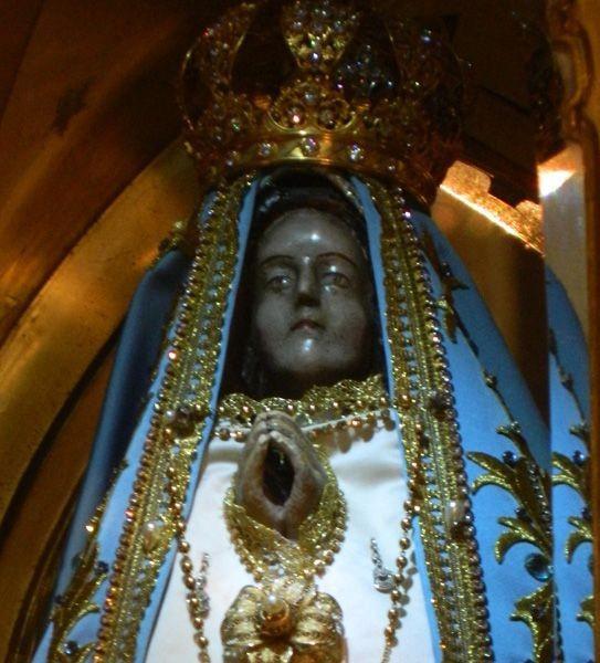 Con la tradicional bajada de la Virgen del Valle, se inician hoy las festividades marianas