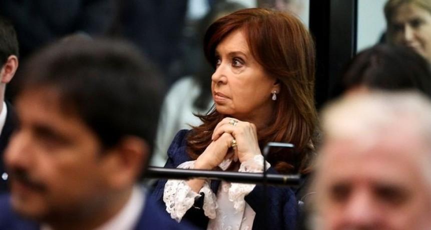 Sin Cristina Kirchner, se reanuda el juicio por corrupción en la obra pública en Santa Cruz