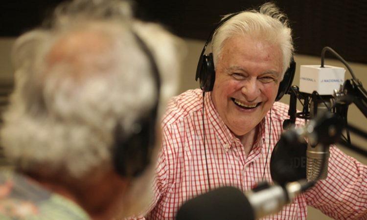 A los 82 años, Héctor Larrea le dice adiós a la radio y se retira tras seis décadas de carrera