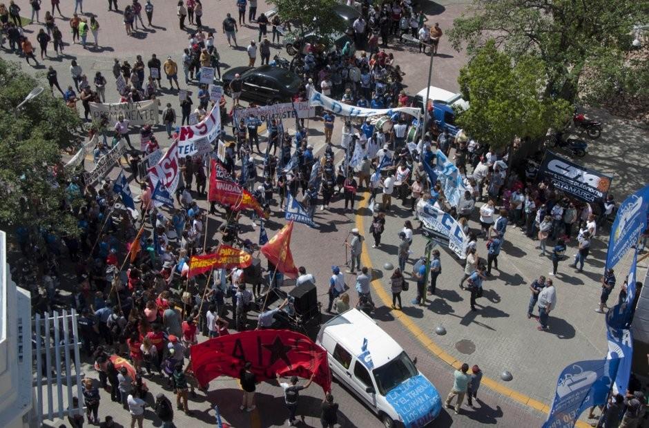 Más de 2000 personas se manifestaron en el centro contra Jalil