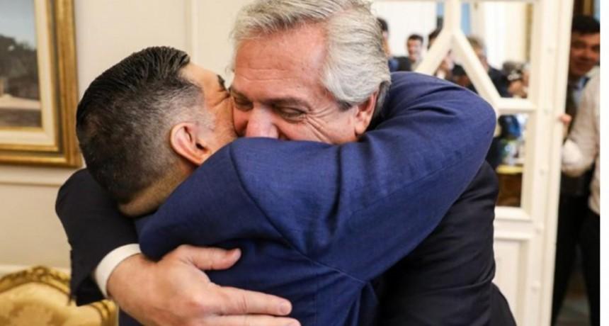 La tristeza de Alberto Fernández, el decreto homenaje y la sorpresiva carta de Macron