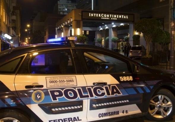 Detuvieron a cinco sirios con pasaportes falsos en el Apart Hotel