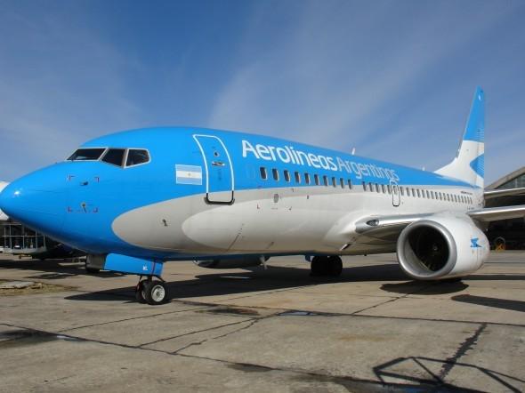 Pánico en avión de Aerolíneas: falló el motor y tuvo un problemático aterrizaje de emergencia