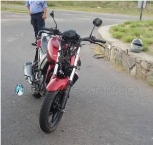 Motociclistas derraparon y terminaron heridos