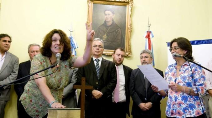 Corpacci le tomó juramento a dos nuevos funcionarios